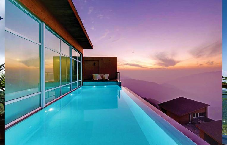 Infinity-edge pool