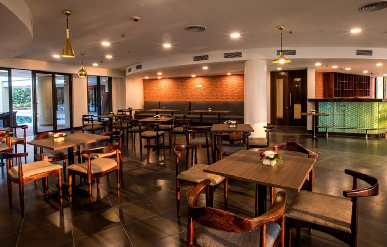 Café and Restaurant
