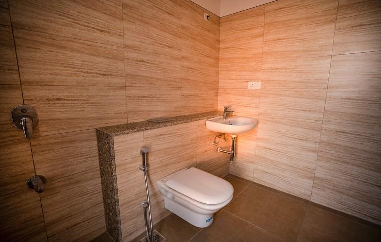 Tower E - Master Toilet (3 BHK)